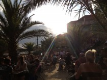 Unter Palmen: Die Strandbar Mitte