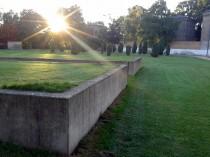 Grüne Oase hinter alten Gefängnismauern