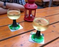 Aber der Wein schmeckt! Hier zwei Weißburgunder :-)